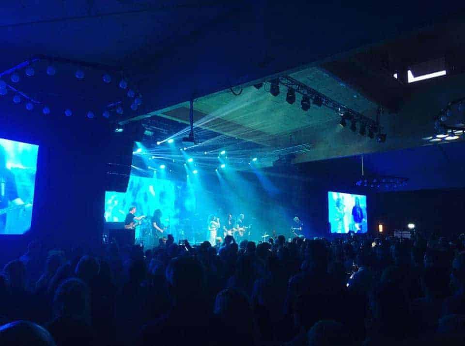 Konsert med blått ljus